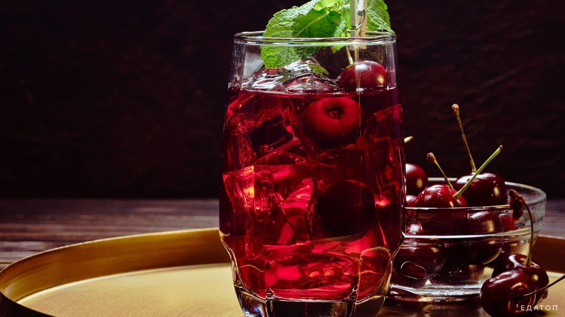 Вишневый сок - эффективное средство для профилактики и лечения бессонницы.