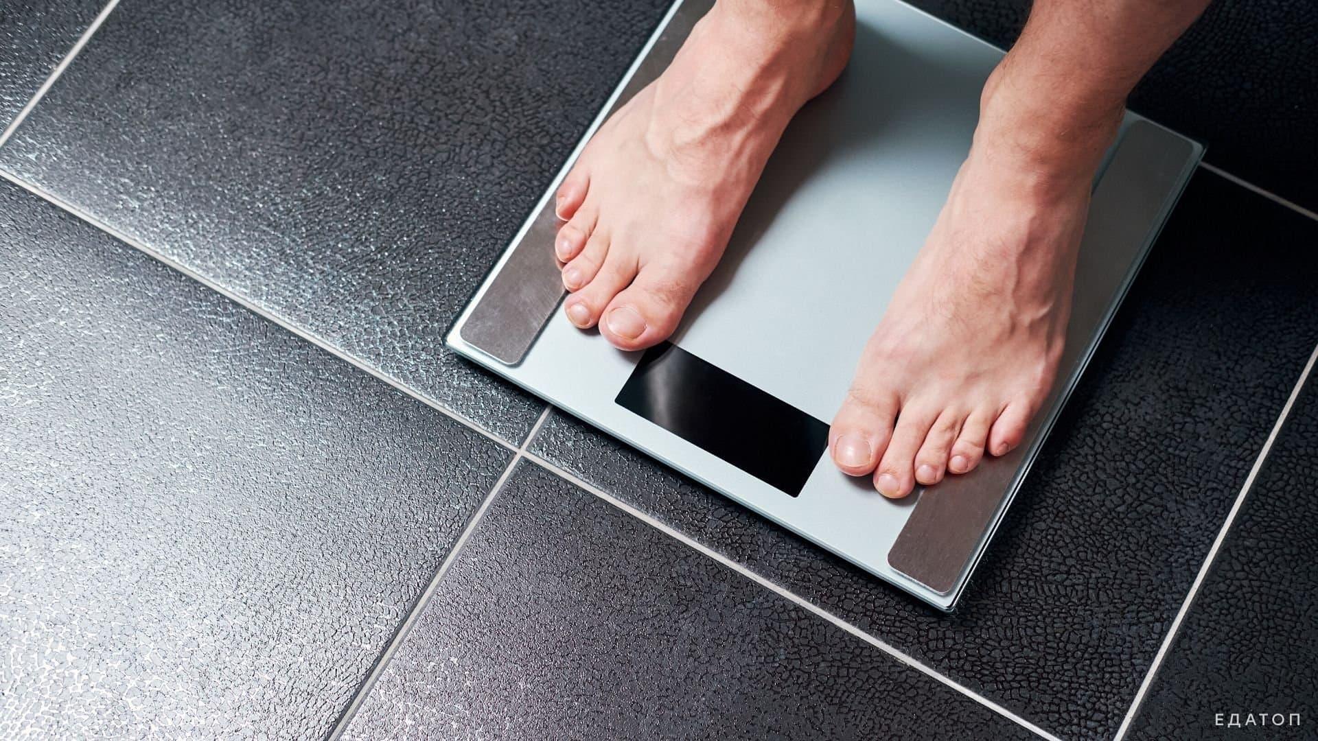 Норма снижения веса в месяц для похудения без проблем составляет от 4 до 7 кг.