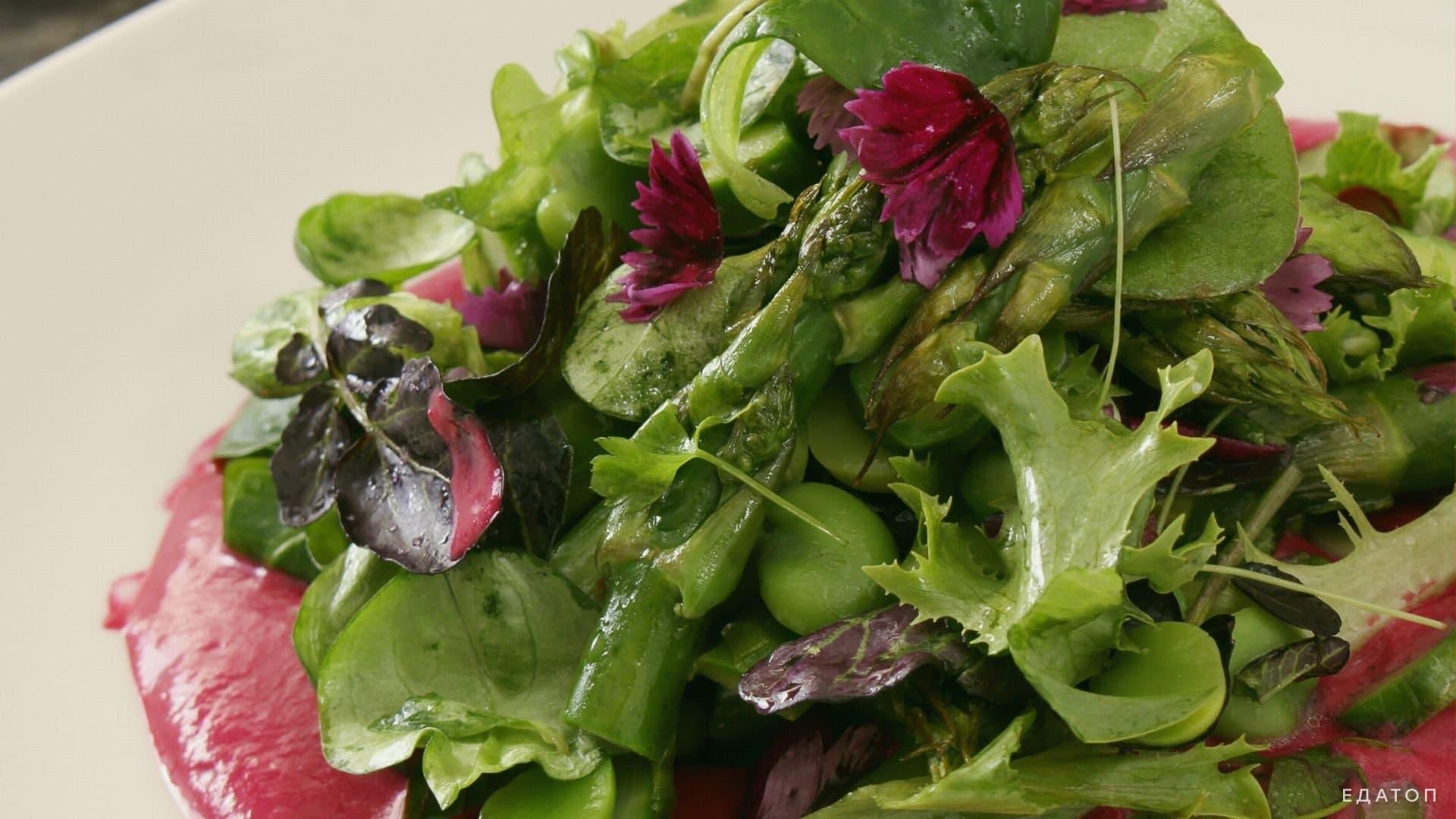 Свекольный салат - это вкусно, полезно и безопасно для фигуры.