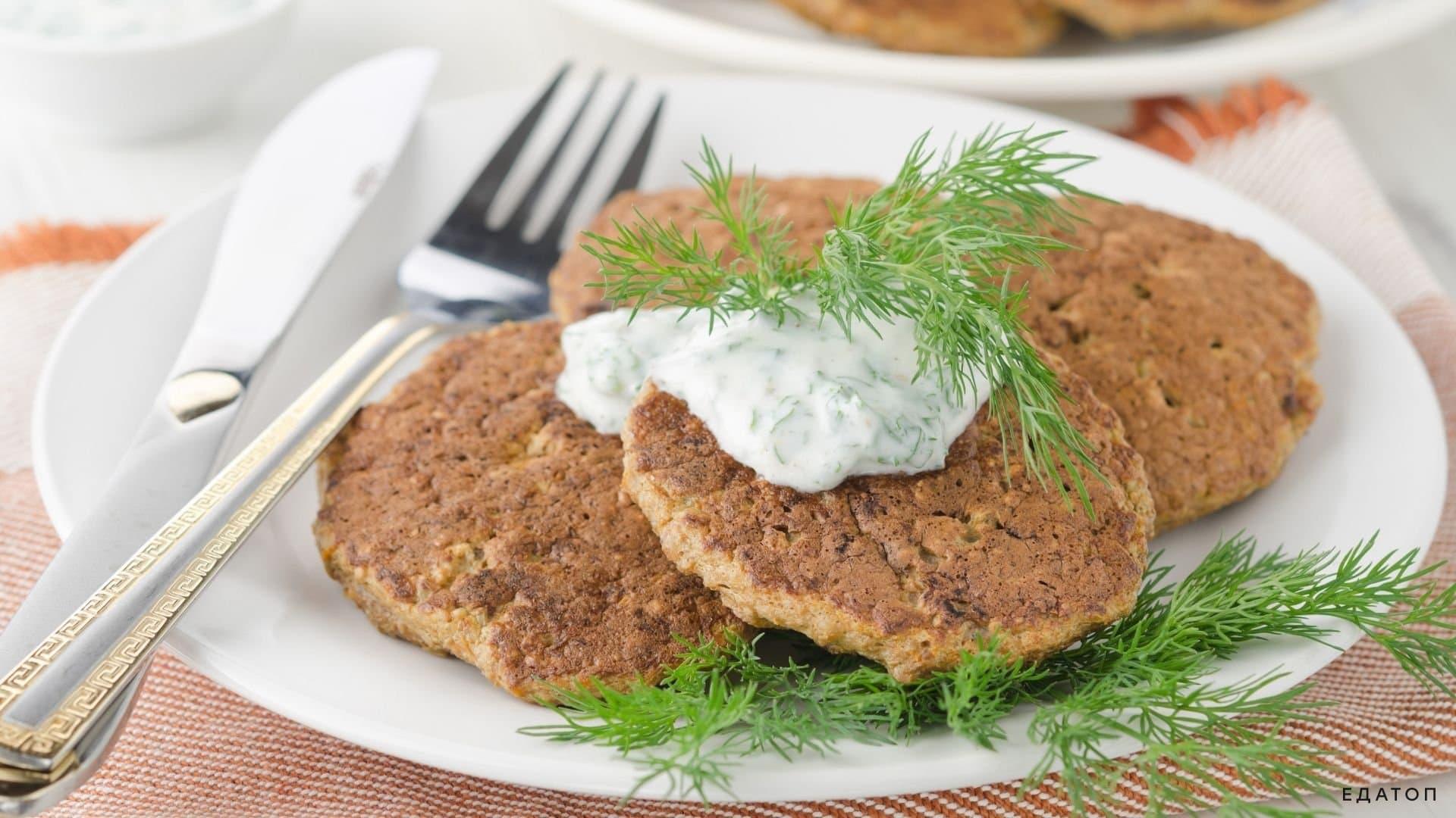 Печеночные оладьи - нежные мягкие сочные мясные изделия.